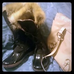 EUC Duck Boots with Fur women's size 6